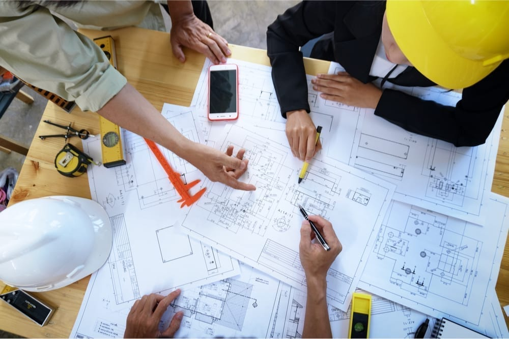 BE YOUR OWN BOSS! HOW TO START A CONTRACTOR BUSINESS